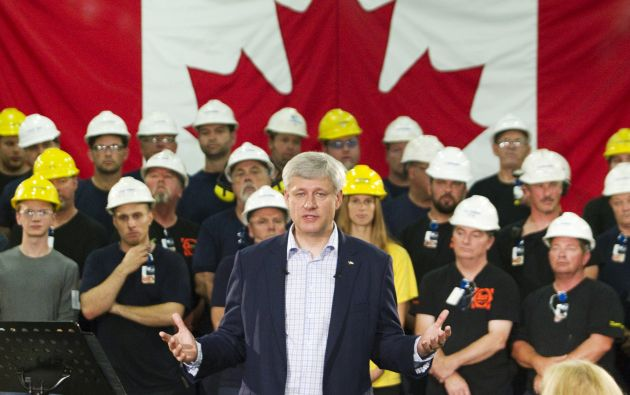 El primer ministro canadiense, Stephen Harper, habla en el Laurel Steel. Foto: REUTERS.