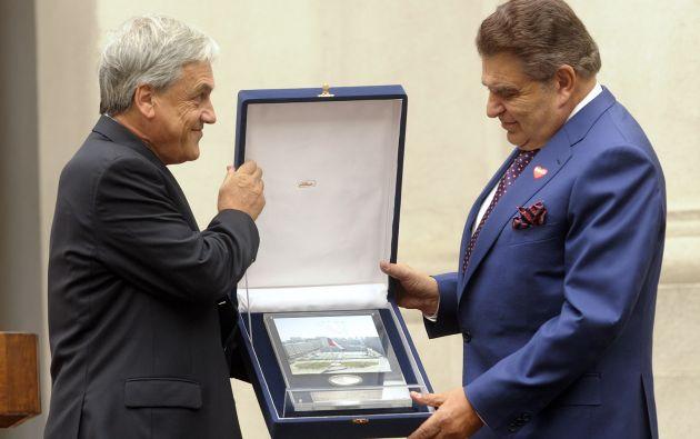 Don Francisco cuando recibió un homenaje del Gobierno chileno, en 2010. Foto: Wikipedia.