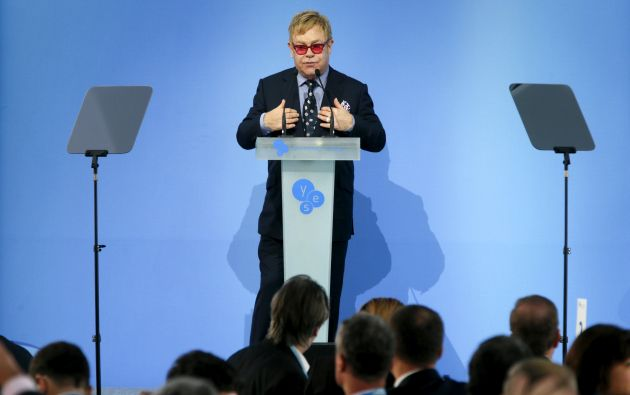 Elton John durante su discurso en Kiev (Ucrania). Foto: REUTERS.