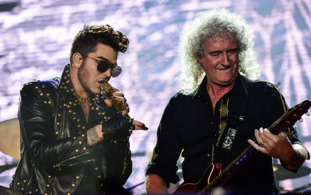"""Adam Lambert y Bryan May en """"Rock in Rio"""". Foto: AFP"""
