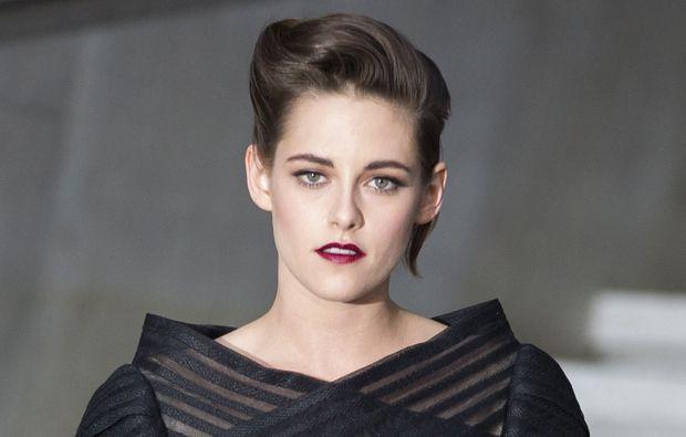 La ex de Robert Pattinson terminó su relación sentimental con Alicia Cargile.