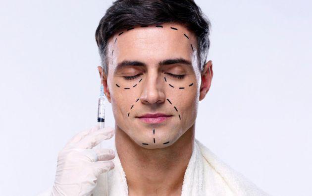 En Brasil, las cirugías plásticas en hombres se cuadruplicaron de 2009 a 2014.