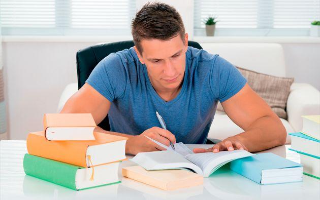 Una investigación publicada en la web de la Asociación Americana de Psicología concluye que la manera más efectiva para estudiar es poniéndose a prueba a uno mismo regularmente.