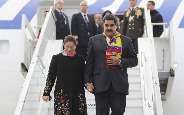 Nicolás Maduro y su esposa, Cilia Flores. Foto: REUTERS.