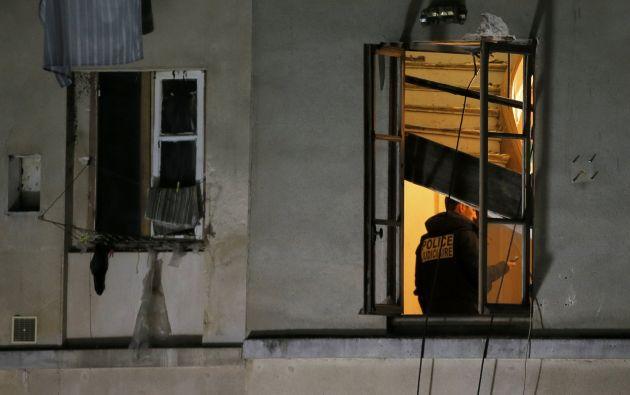 Cuando los policías derribaron la puerta del apartamento en el que se encontraba junto a cuatro hombres, la joven mujer optó por hacerse explotar. Foto: REUTERS.