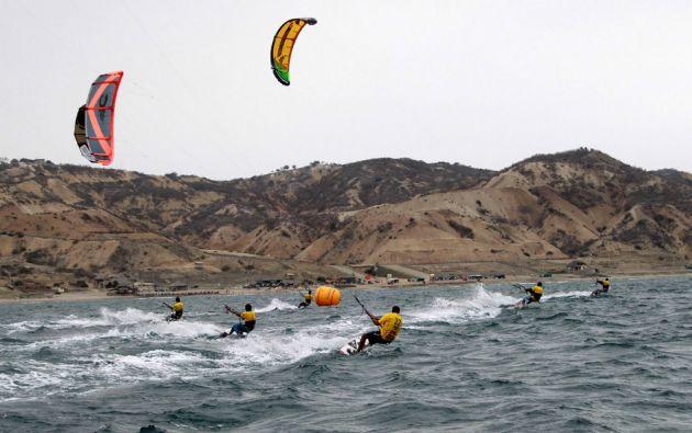 En las costas de la playa Santa Marianita se puede practicar kitesurf. Foto: cortesía Ecuador Kite Surf
