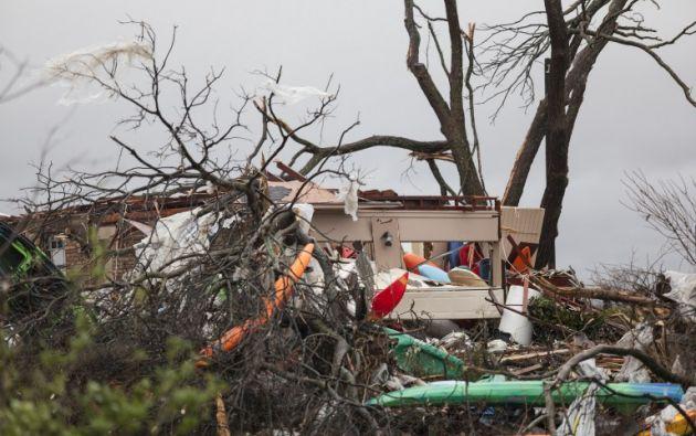 Los tornados y tormentas que cruzan el sur y centro de Estados Unidos han causado ya más de 40 muertos después de que 11 personas fallecieran el sábado por la noche en la zona de Dallas. Foto: AFP.