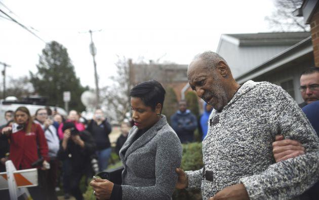Cosby junto a su abogada Monique Pressley. Foto: REUTERS.
