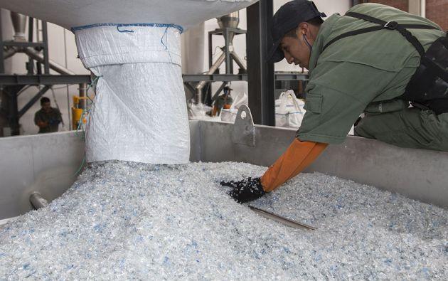 La resina reciclada PET-PCR de Enkador se destina a la producción del hilo ecológico LOVECO y para su comercialización internacional. Cortesía Enkador