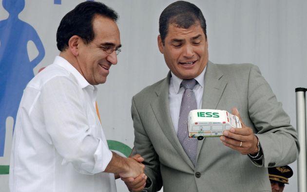 2010. Como presidente del Consejo Directivo del IESS era el representante del presidente Correa. Ambos coincidían también en reuniones de padres de famila.