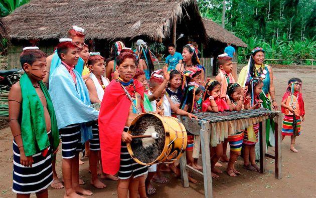 Ritmo. Al son de los tambores y la marimba, los tsáchilas reciben el año nuevo en Semana Santa. Hace varias décadas atrás, esta celebración era el momento indicado para pedir la mano de la futura esposa.