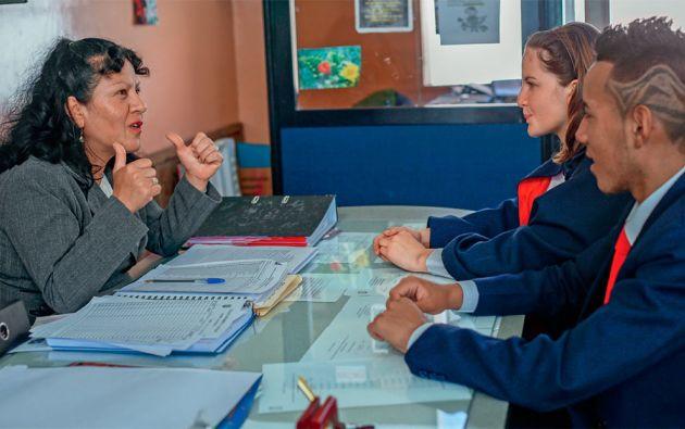 Los nuevos departamentos de Consejería Estudiantil se han abierto en 1.553 escuelas y colegios.
