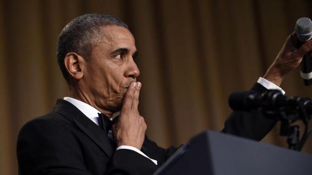 Obama, a punto de lanzar el micrófono, al término de su discurso. Foto: Internet