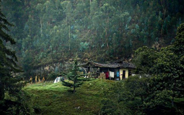 Pueblo kichwa. Saraguro se encuentra al norte de la provincia de Loja. Una parte de su población migró a Zamora Chinchipe.
