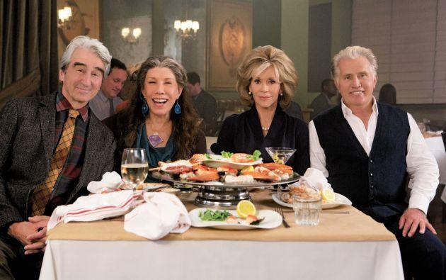 Mejor que nunca. Sam Waterston (75 años), Lili Tomlin (76), Jane Fonda (78) y Martin Sheen (75) interpretan a Sol, Frankie, Grace y Robert, en esta serie de Netflix.