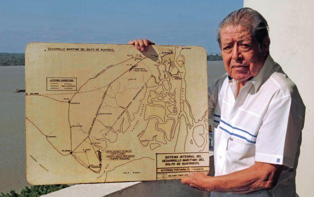 Hugo Tobar Vega fue comandante de la Marina y gerente de la Autoridad Portuaria de Guayaquil.