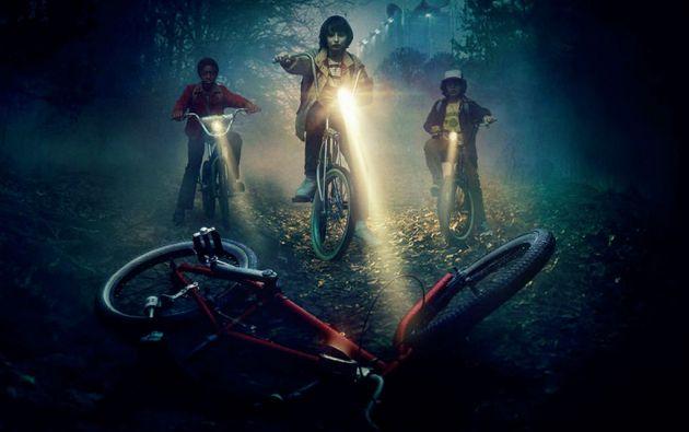 """""""Stranger Things"""", la nueva nueva serie original de Netflix, representa un gran homenaje a los clásicos sobrenaturales de los 80."""