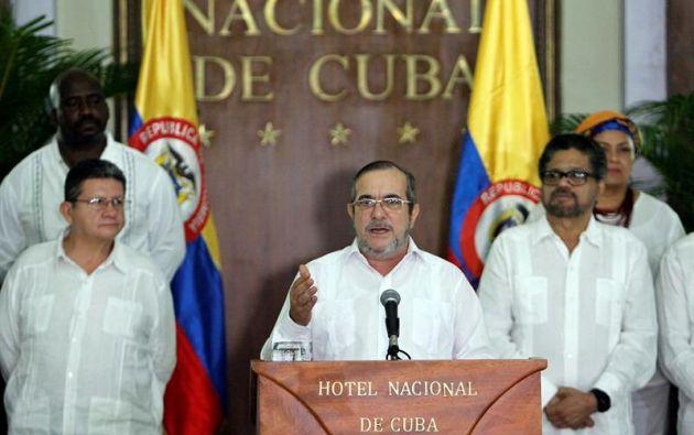 CUBA.- El jefe máximo de la guerrilla de las FARC, Timoleón Jiménez, ordenó el alto al fuego definitivo en Colombia a partir de la medianoche de este domingo, tras el histórico acuerdo de paz alcanzado con el gobierno. Foto: EFE