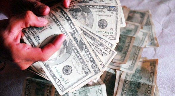En el operativo las autoridades encontraron sustancias químicas para elaborar los billetes ilegales.