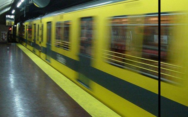 La incómoda situación, que ocurrió en Buenos Aires, fue grabada por los pasajeros.