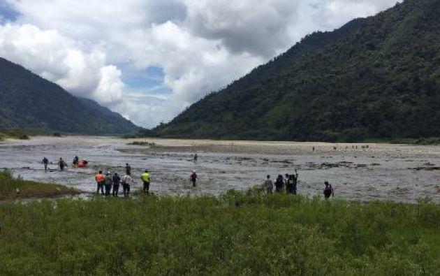 El miércoles 15 de junio una camioneta cayó al río Oyacachi, desde el puente ubicado en el kilómetro 148 en la vía a Santa Rosa en Napo.