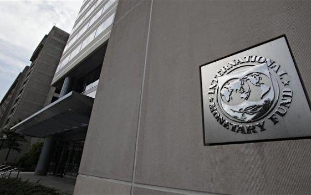 El FMI ajustó su proyección del Producto Interno Bruto (PIB) para este año a -2,3%.