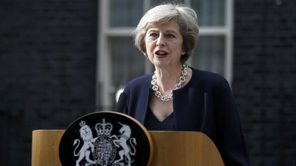 La primera ministra, Theresa May, confirmó la activación del Brexit para el primer trimestre del año que viene. De ser así, los británicos quedarían fuera del bloque regional en 2019. Foto: Reuters