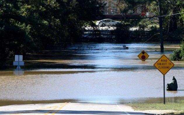 ST AGUSTÍN, EE.UU.- Los meteorólogos del CNH prevén que el ciclón se debilite en las próximas 24 horas y que la noche del lunes 10 de octubre se disipé en el Atlántico.  Foto: EFE