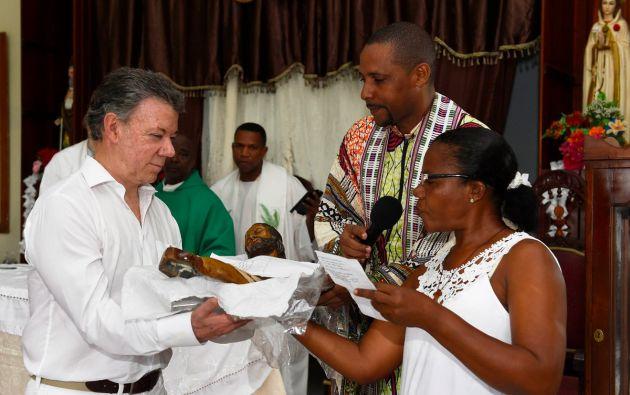 BOGOTÁ, Colombia.- El premio que recibirá Santos el próximo 10 de diciembre en Oslo consiste en una medalla de oro, un diploma y un cheque por ocho millones de coronas suecas. Foto: Twitter.