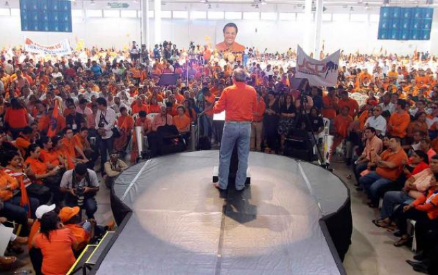 """Plataforma calificó de """"desleal y oportunista"""" la alianza anunciada por Jimmy Jairala. Foto: Centro Democrático."""