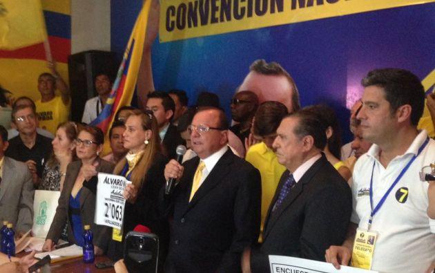 Noboa dijo a los medios de comunicación que es el candidato de la renovación y que su participación en las elecciones de febrero próximo es irrevocable.
