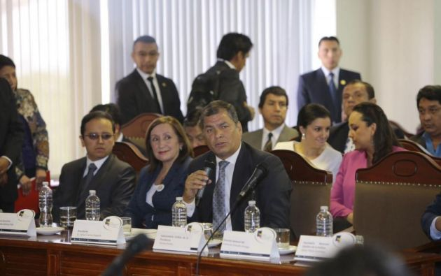 Correa plantea que quien tenga recursos en paraísos fiscales no pueda participar en comicios. Foto: API.