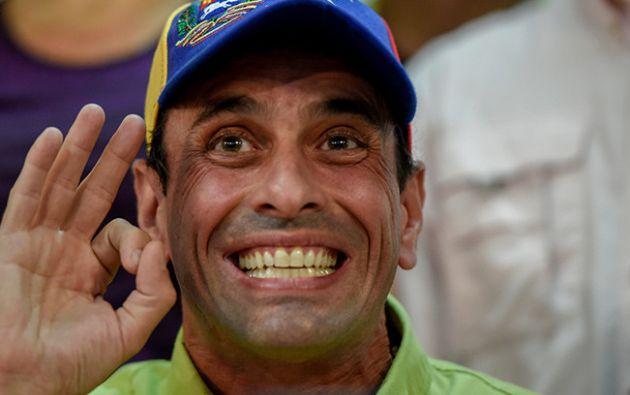 """""""Que vaya para Playa El Agua y lleve a doña Cilia en bikini, por favor (...) Nosotros no vamos a la isla de Margarita el domingo"""", dijo Capriles. Foto: AFP"""