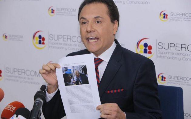 Según el superintendente Carlos Ochoa, los relatores no tienen argumentos para arremeter contra Ley de Comunicación. Foto: API.