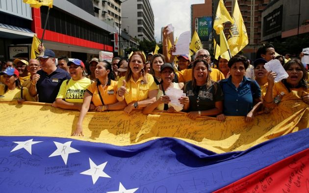 Simpatizantes de la oposición venezolana en una marcha realizada el pasado 17 de noviembre. Foto: REUTERS.