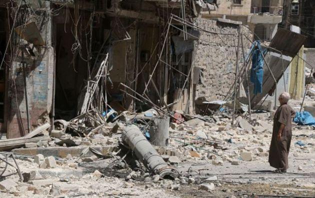 ALEPO, Siria.- El ataque rebelde se produjo cuando el avión intentaba acercarse al aeropuerto internacional de Alepo. Foto: Twitter
