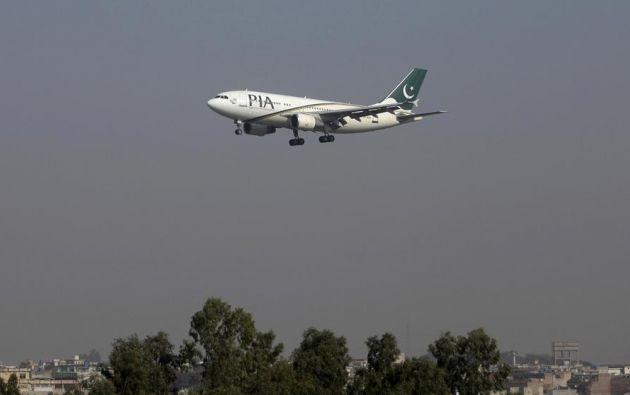 Un avión de Pakistan International Airlines aterrizando en el aeropuerto de Islamabad | Foto: Reuters