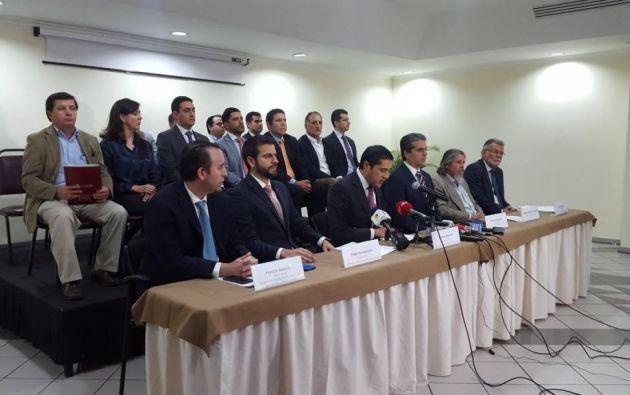 Representantes del Comité Empresarial Ecuatoriano hablan a la prensa en Guayaquil. Foto: @lacamaragye.