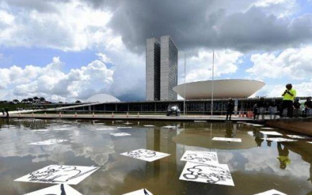 Se suspendió la financiación de 3.600 millones de dólares para 16 obras en Latinoamérica.
