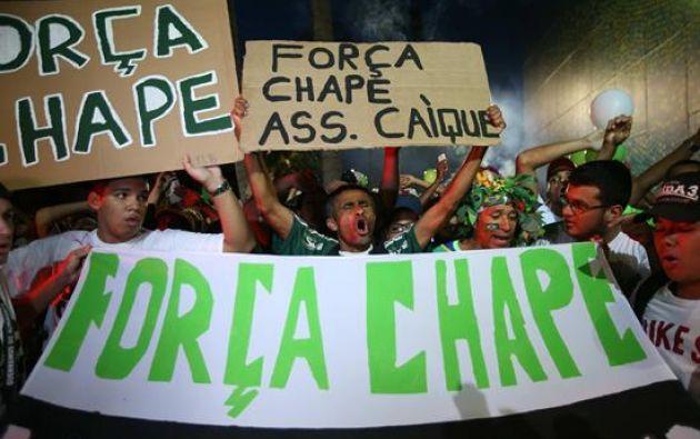 En la tragedia del equipo del Chapecoense murieron 71 personas, incluido el piloto y dueño de la aerolínea. Foto: EFE