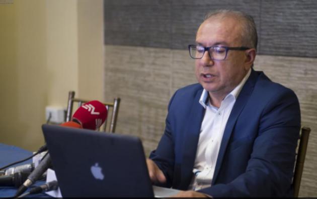El director de El Telégrafo, Orlando Pérez, entregó su versión de los hechos a la prensa ayer. Foto: Ecuavisa
