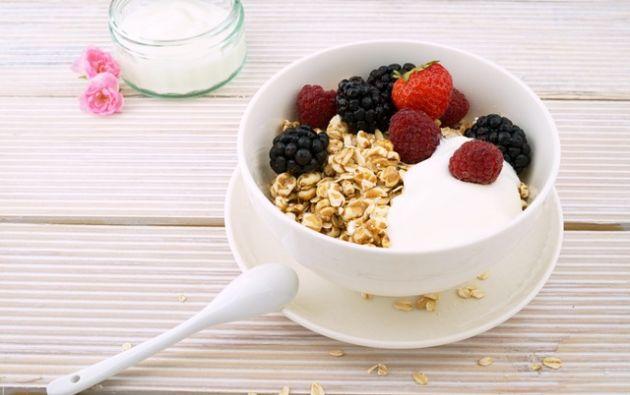 Tener buenos hábitos alimenticios ayuda a prevenir enfermedades. Es importante tener un control médico nutricional para descubrir por qué a veces cuesta mucho bajar de peso. Foto: Pexels