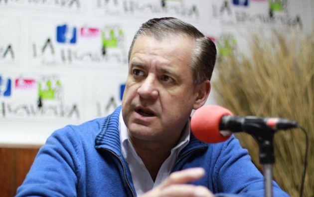 El candidato a vicepresidente quiere que la lista de presuntos involucrados se publique. Foto: Twitter / Andrés Páez.