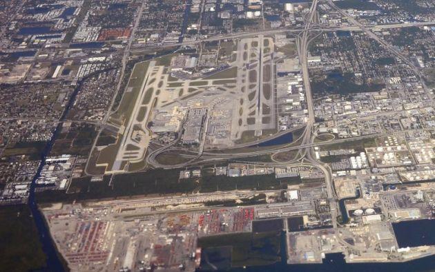 Una toma aérea del aeropuerto donde ocurrió el tiroteo. Foto: AFP.
