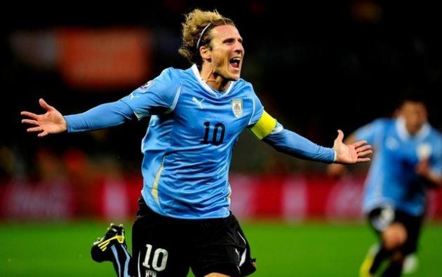 Diego Forlán fue elegido mejor jugador del Mundial de Sudáfrica. Foto: Agencias