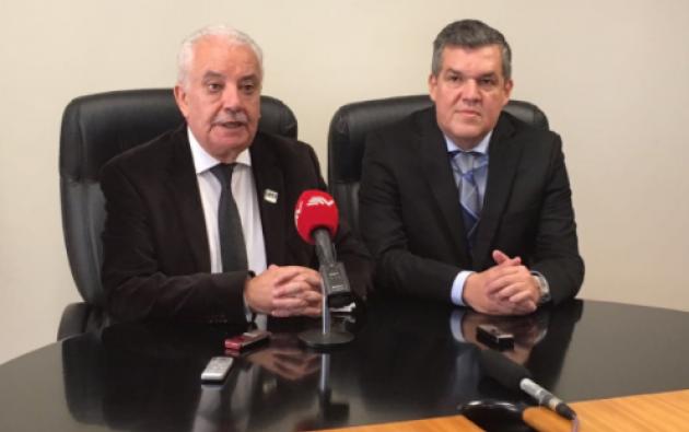 El Fiscal Chiriboga entregó detalles en el caso Odebrecht junto al Ministro del Interior, Pedro Solines. Foto: Fiscalía