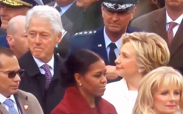 Las cámaras de televisión captaron el cruce entre la exprimera dama y su marido durante la jura de Donald Trump. ¿A quién miraba el expresidente?