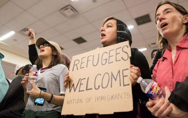 """""""Las personas con visados que no han sido físicamente cancelados pueden viajar ahora si su visado sigue siendo válido"""", afirmó un funcionario que pidió el anonimato."""