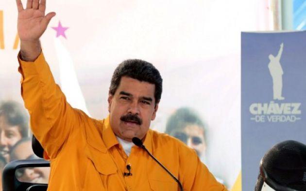 """Maduro acusó a la cadena de """"manipular"""" un episodio en el que una estudiante de secundaria le reclamó al mandatario por varios problemas en su liceo. Foto: AFP"""