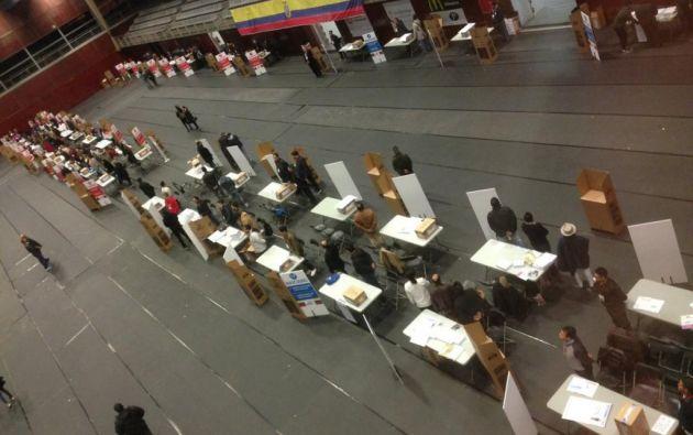 En Pamplona (España), ciudadanos ecuatorianos también acudieron al recinto electoral para ejercer su voto. Foto: Consulado General del Ecuador en Barcelona.